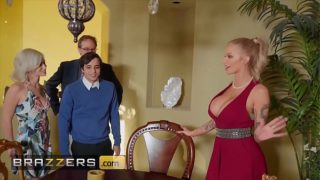 Busty Blondie (joslyn James) Joins Sexy Threesome With (kiara Cole) –